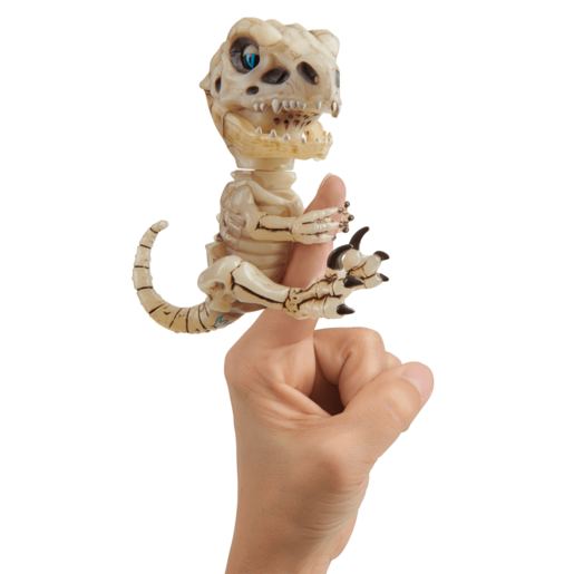 Fingerlings Untamed Bonehead Skeleton Raptor by Fingerlings – Gloom (Sand)