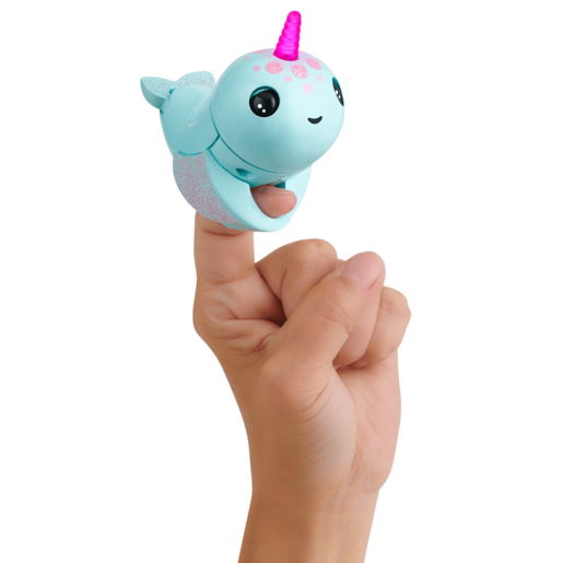 Fingerlings Light Up Narwhal - Nikki (Turquoise)