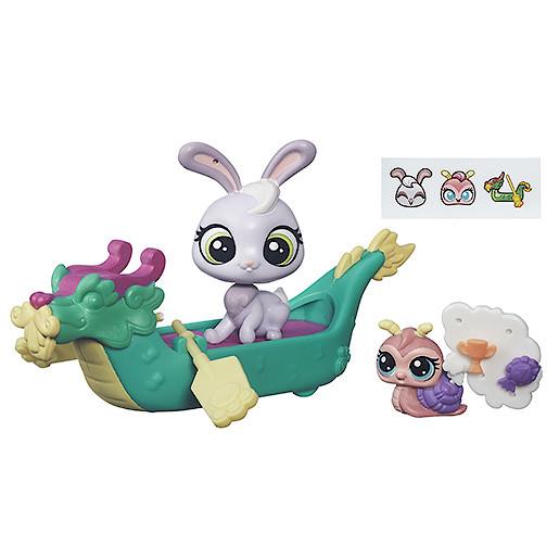 Littlest Pet Shop City Bunny & Snail Dragon Boat Figure Set