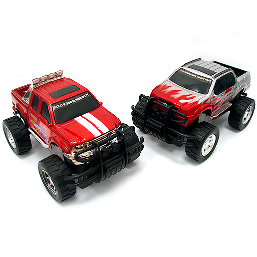 1:32 Big Wheel Truck Double Pack (Styles Vary)