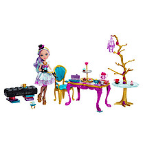 Ever After High Madeline Hatter Hat-tastic Tea Party Playset